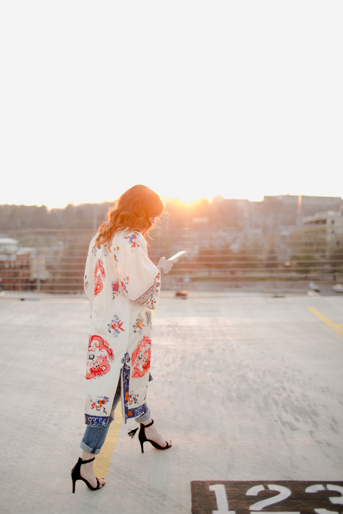 Eldridge_Edit_Anna_E_Cottrell_Tulip_Louise_Fashion_Blogger_Kimono_Deconstructed_Oversized_Boyfriend_Jean_Denim_Mother-White_T-shirt_Tom_Ford_Glasses_Joie_Heel_4.jpg