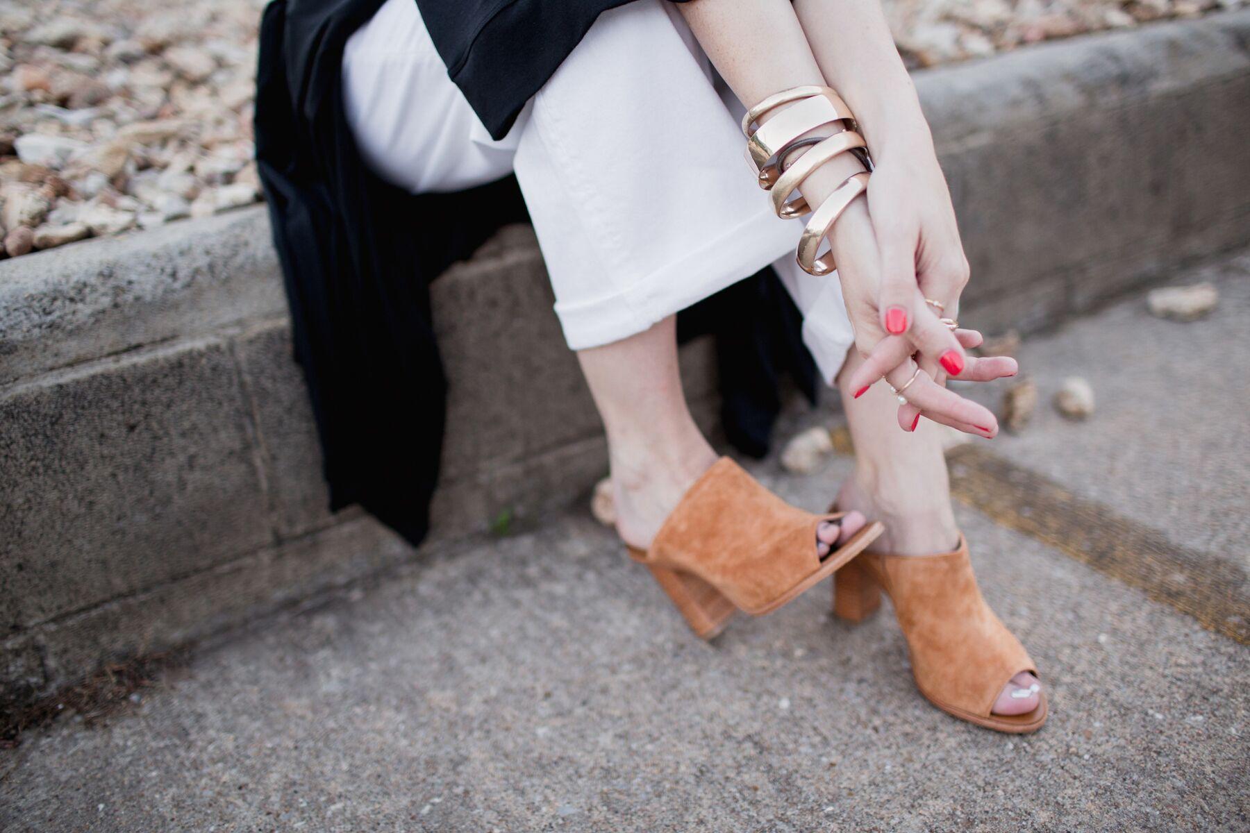eldridge_edit_anna_e_cottrell_fashion_blogger_black_and_white_shop_lola_boutique_mgb_photo_mother_white_jean_b_low_the_belt_dita_freebird_sunglasses_joie_cognac_mules_vintage_bracelets_5.JPG