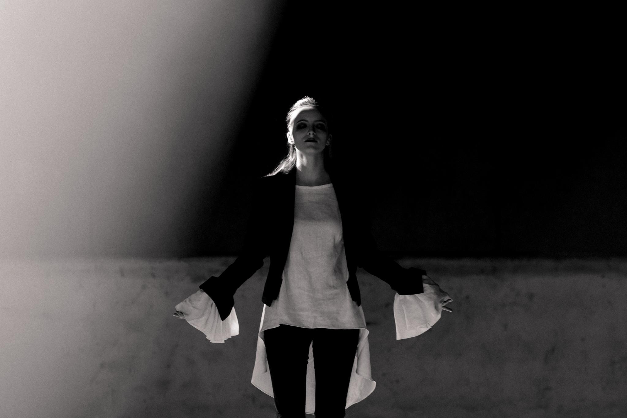 Bowie Tribute Editorial-Blackstar-Eldridge_Edit_Anna_E_Cottrell_Styling_Fashion Blogger_ MGB_Photo_11.jpg