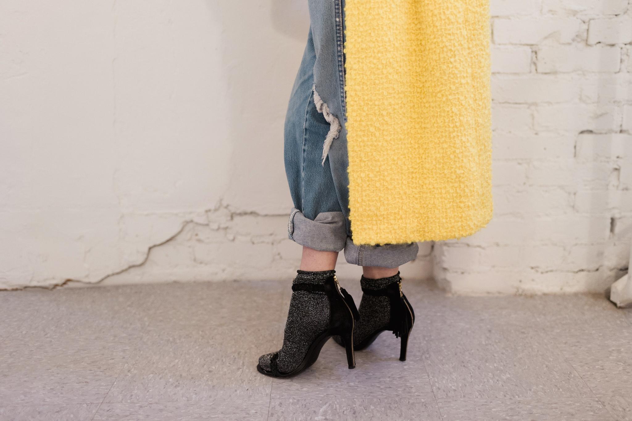 Eldridge Edit_Anna_E_Cottrell_Fashion_Blogger_Yellow_Vintage_Coat_Wrangler_Boyfriend_Jeans_Spring_Trend_2017_Star_Crossbody_Bag_Socks_with_Heels_Trend_MGB_Photo_6.jpg