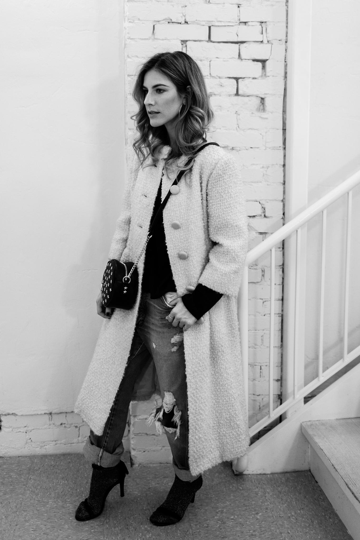 Eldridge Edit_Anna_E_Cottrell_Fashion_Blogger_Yellow_Vintage_Coat_Wrangler_Boyfriend_Jeans_Spring_Trend_2017_Star_Crossbody_Bag_Socks_with_Heels_Trend_MGB_Photo_4.jpg