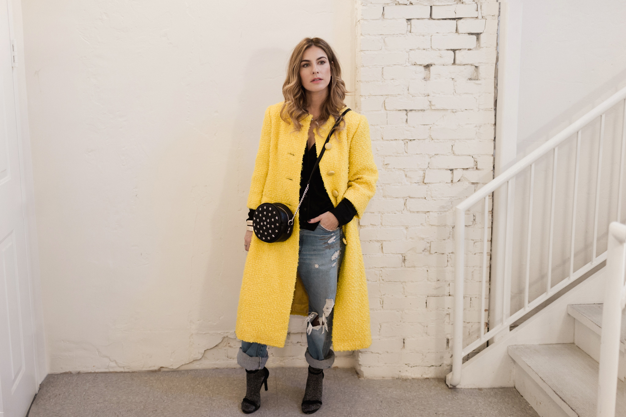 Eldridge Edit_Anna_E_Cottrell_Fashion_Blogger_Yellow_Vintage_Coat_Wrangler_Boyfriend_Jeans_Spring_Trend_2017_Star_Crossbody_Bag_Socks_with_Heels_Trend_MGB_Photo_1.jpg