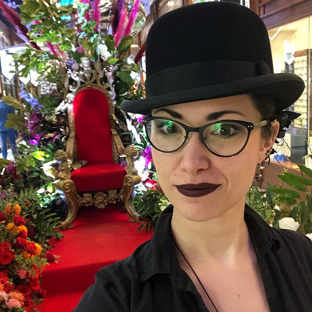 Found my seat for the #brisbanearcadespringflowershow !! #brisbanearcade #brisbanehatters  #styledtothebrim #hattersgonnahat