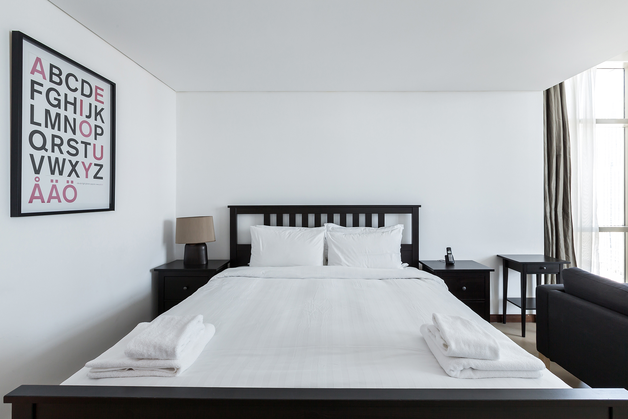 You will be sleeping in a king-sized bed with soft and firm pillows all the way delivered all the way from London