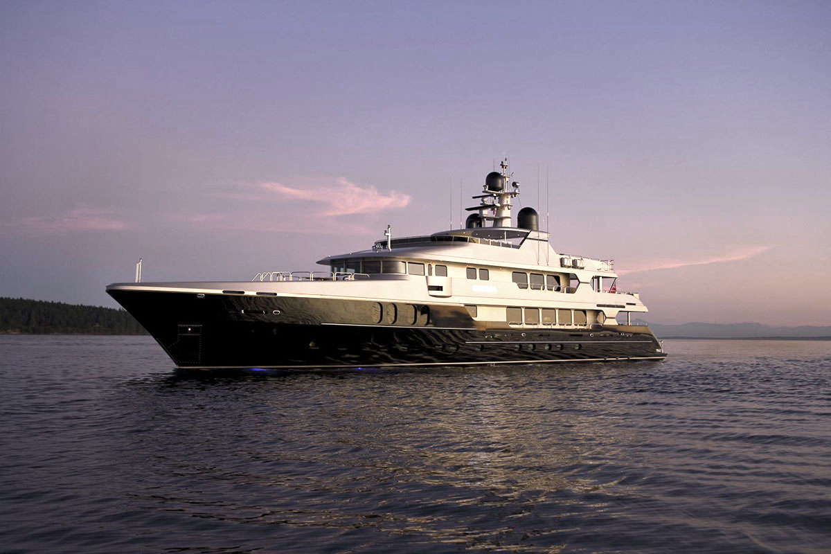 ODESSA WON THE BEST INTERIOR DESIGN SEMI-DISPLACEMENT OR PLANING MOTOR YACHT AT THE SHOWBOAT DESIGN AWARDS 2010