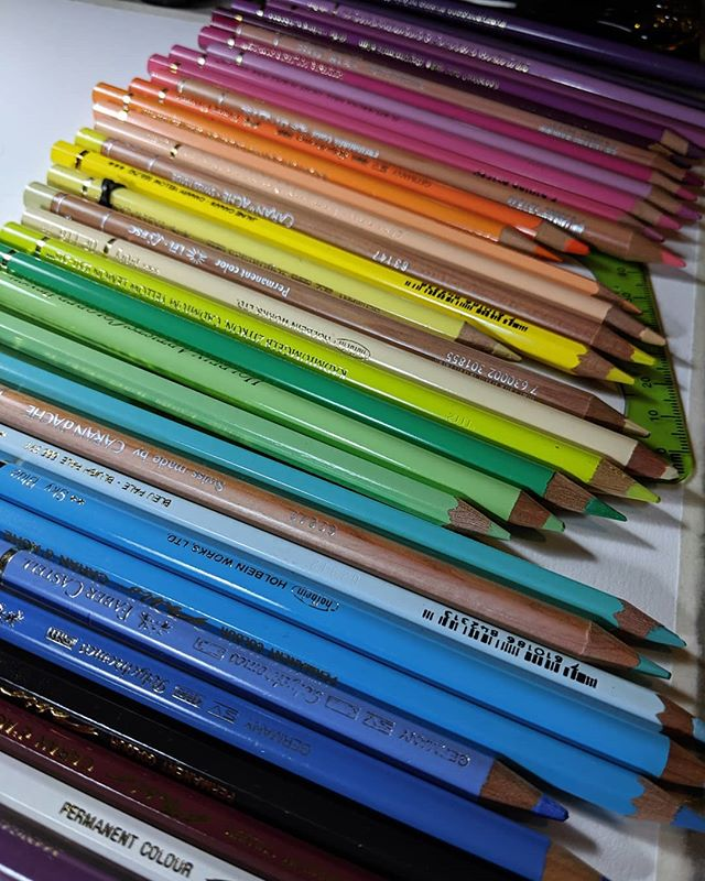 Just picking out a few colours for my next piece. . . . #pencilart #drawing #rainbow #fabercastell #holbein #carandache #traditionalart