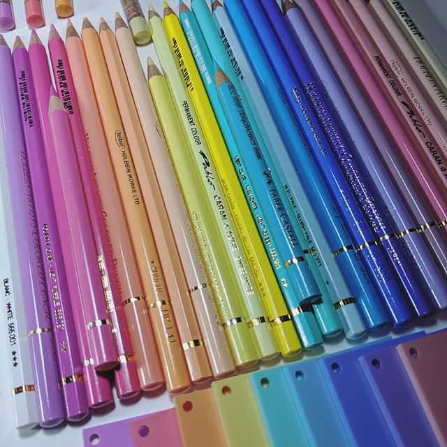 Pastel anyone? Scrapped my last palette - biting off more than I can chew with this idea and afraid to put pencil to paper but hopefully getting closer. . . . #drawing #pencildrawing #pencilart #colouredpencil #coloredpencil #fabercastell #holbein #carandache