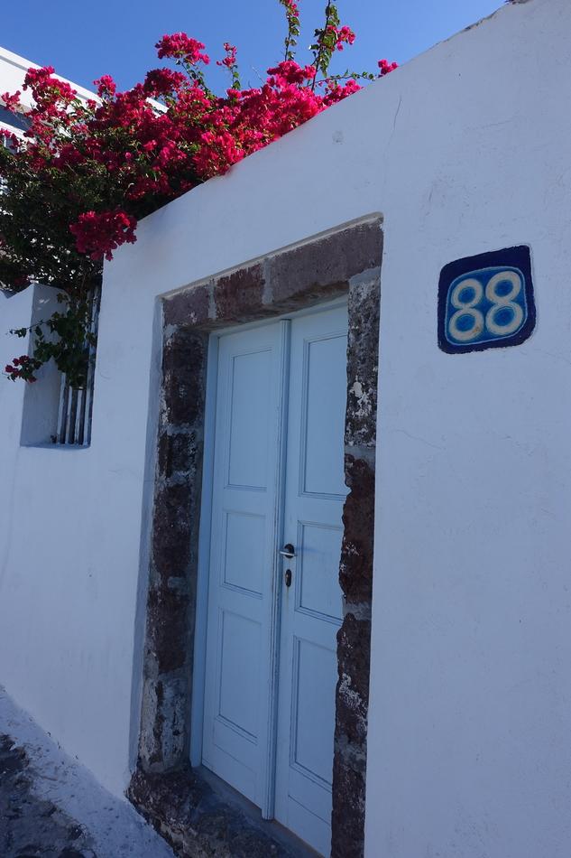 Santorini Greece 15.jpg