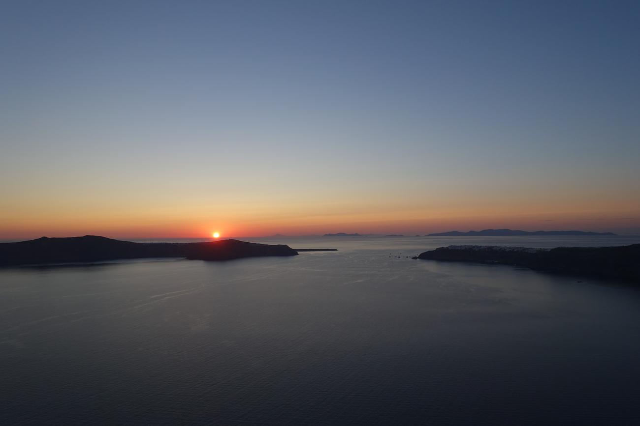 Santorini Sunset 13.jpg