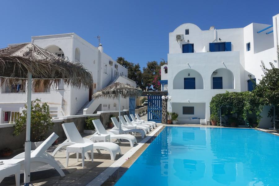 Santorini Greece 29.jpg