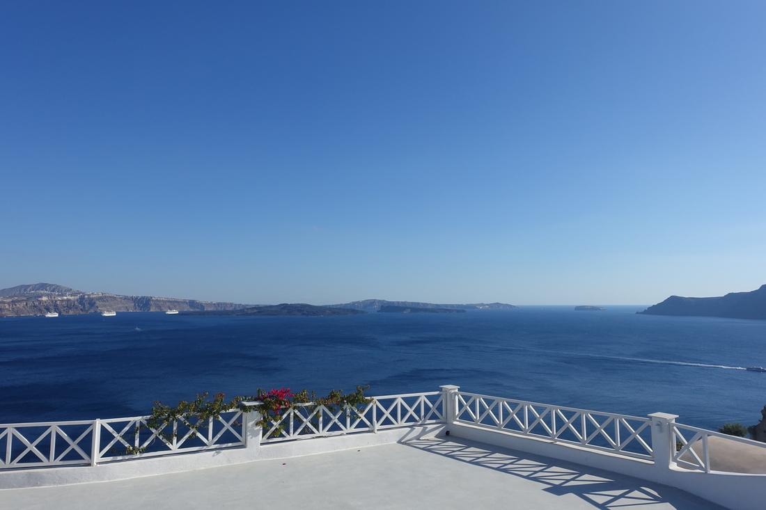 Santorini Greece 33.jpg