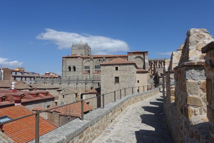 avila spain medieval city walls 2.jpg