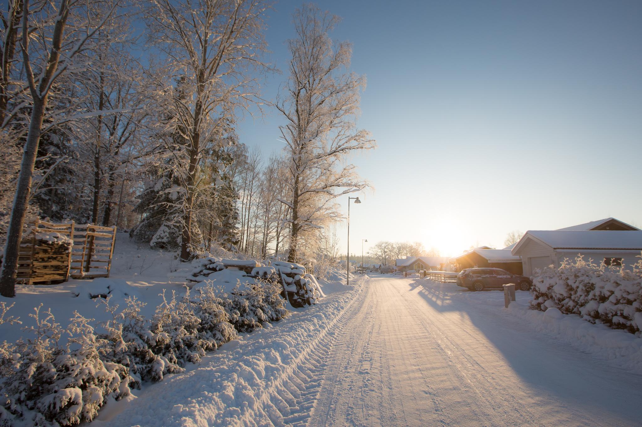 Vackert med snön. Tror vi kommer trivas bra här på Stensborgsvägen när vi snart äntligen kan flytta in. Slutbesiktning och slutsamråd nästa vecka!