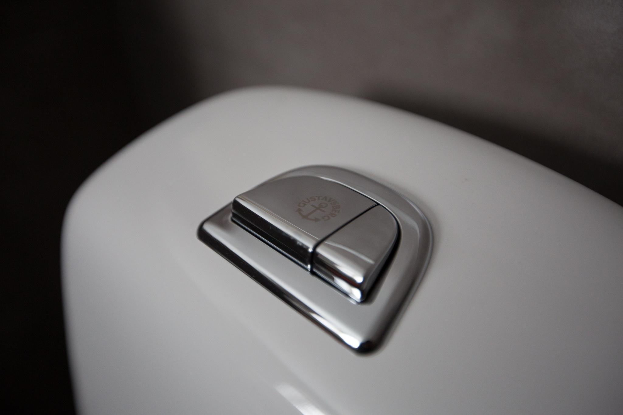 Våra miljövänliga badrumsmöbler, -porslin och blandare kommer från Gustavsberg som vi är glada att ha med som  sponsorer  av bloggen!