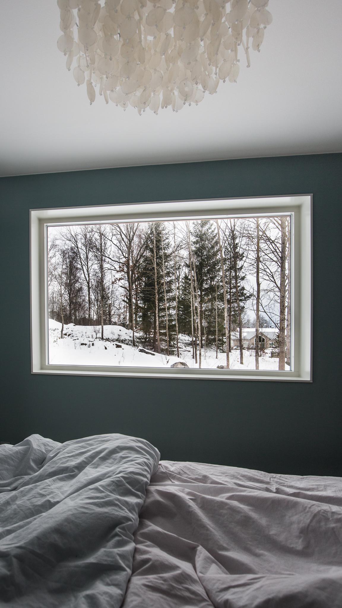 Utsikten från vårt härliga sovrum.