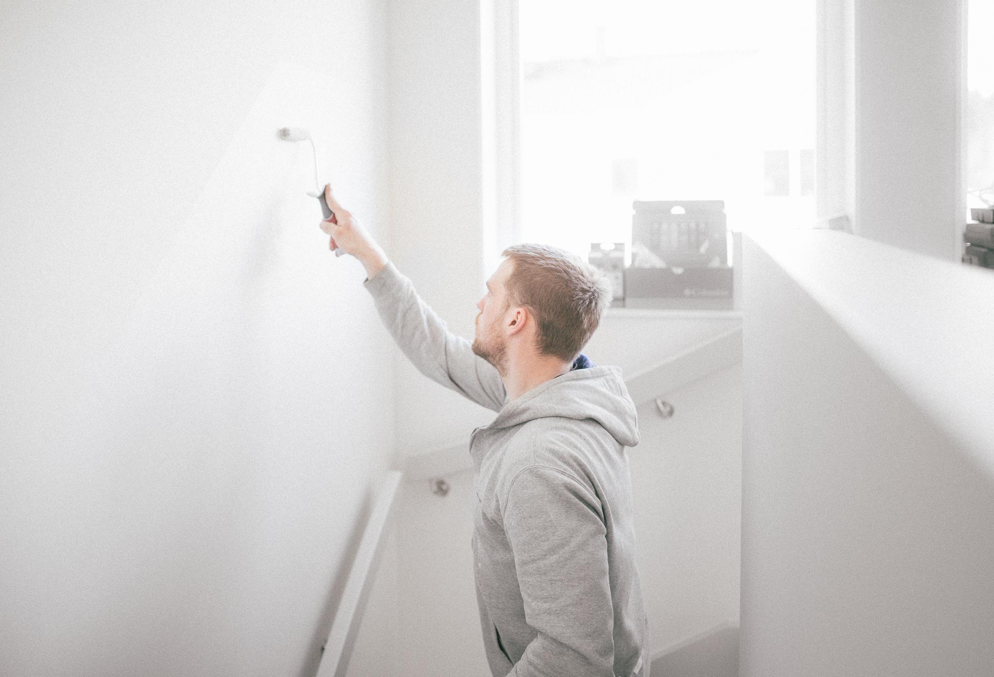 Kompletteringsmålning av väggar och lister samt annat småfix har pågått ett par dagar, men nu är nästan allt klart!
