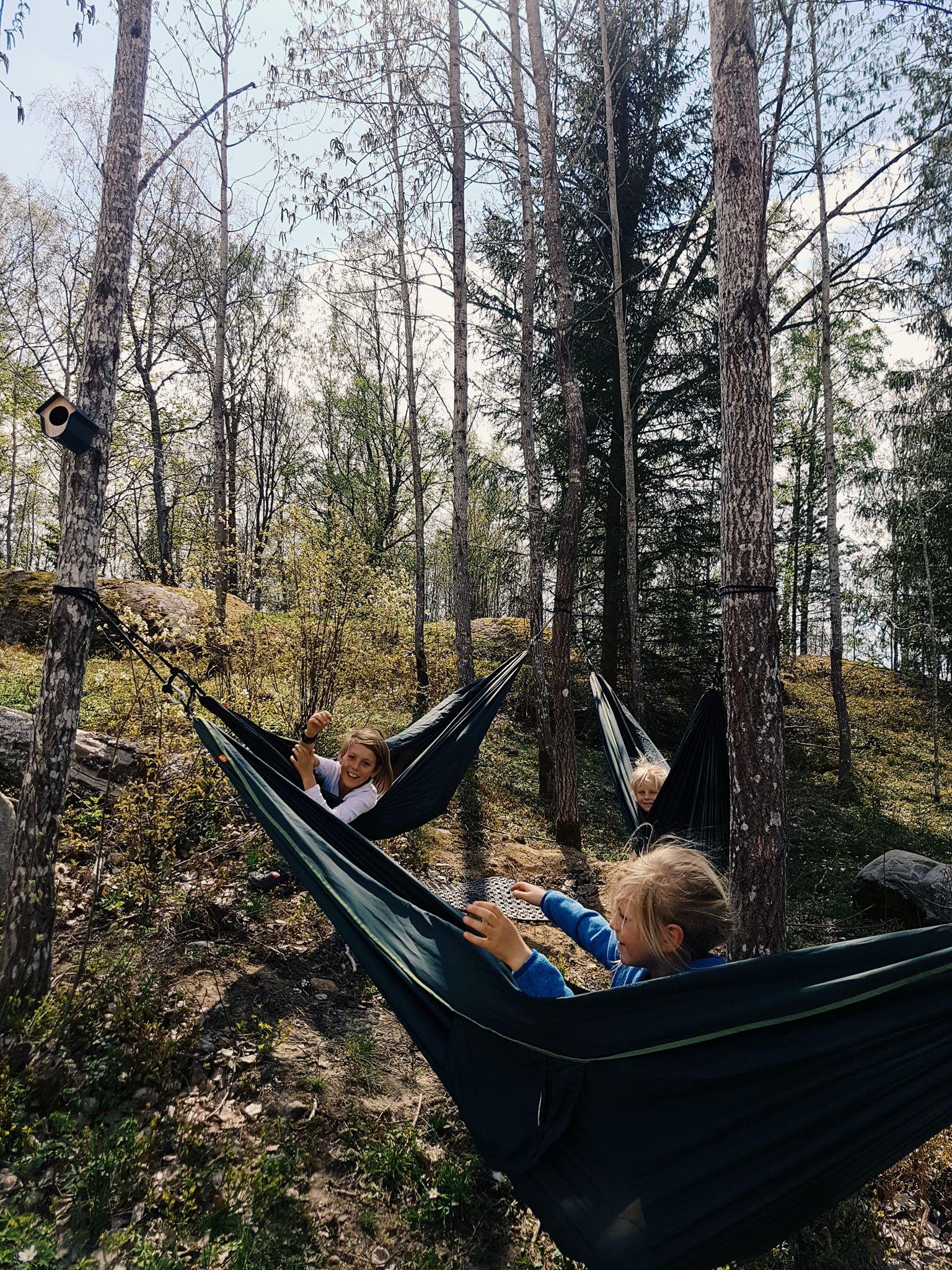 Vi sparade några träd, så alla barn kunde hänga upp varsin hängmatta.