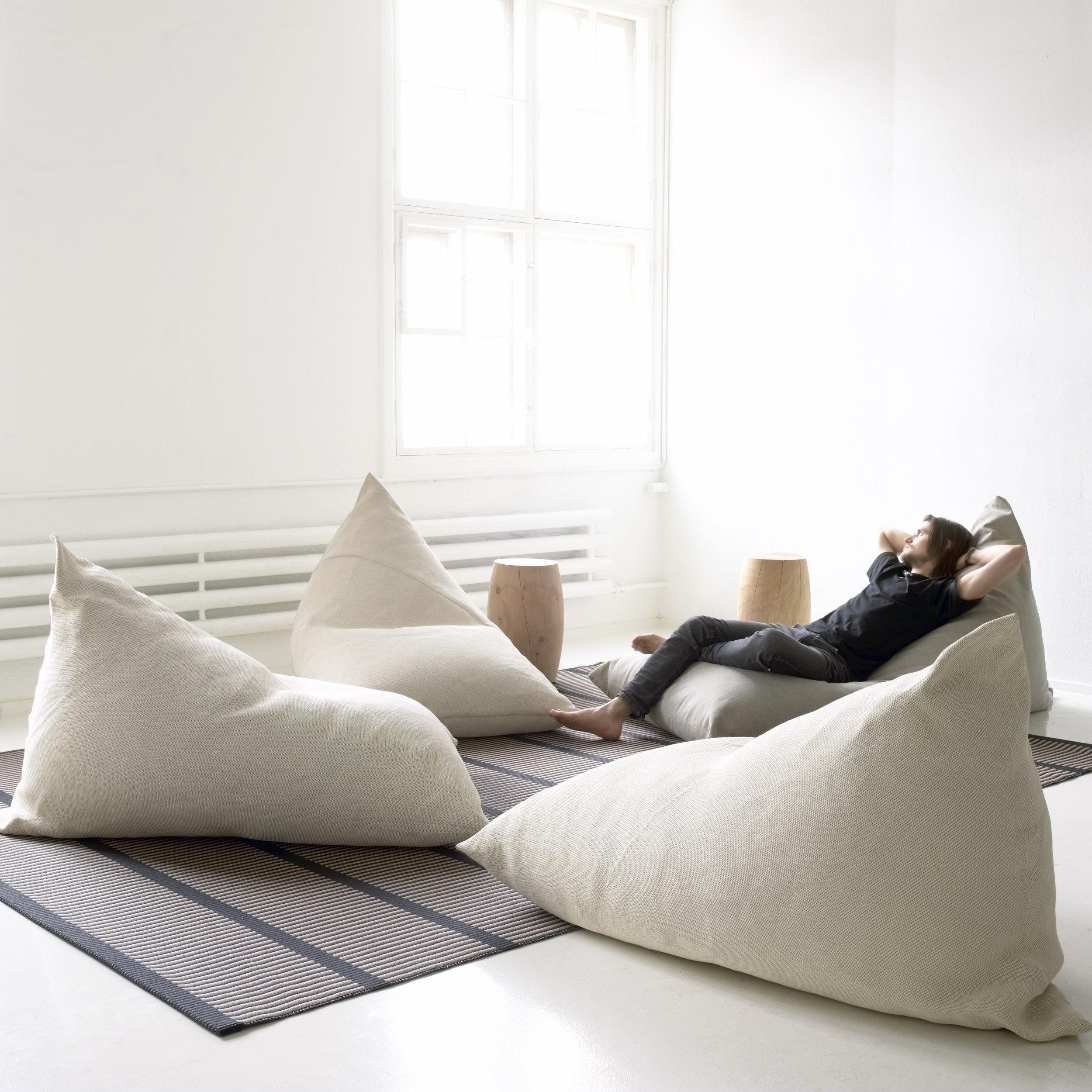 4612 Roo lounge chair
