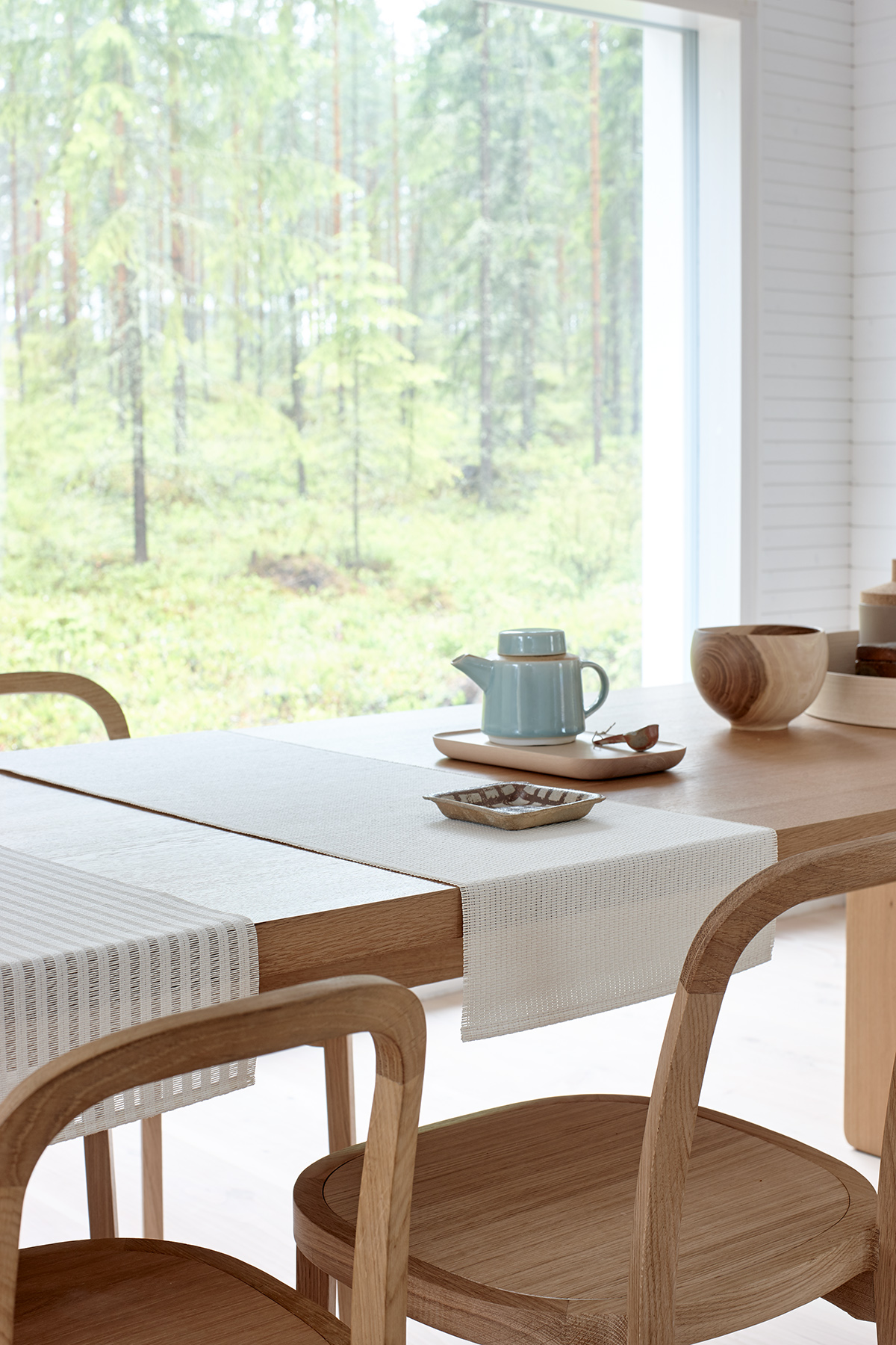 Table runners and 4400  Siro+  oak chairs