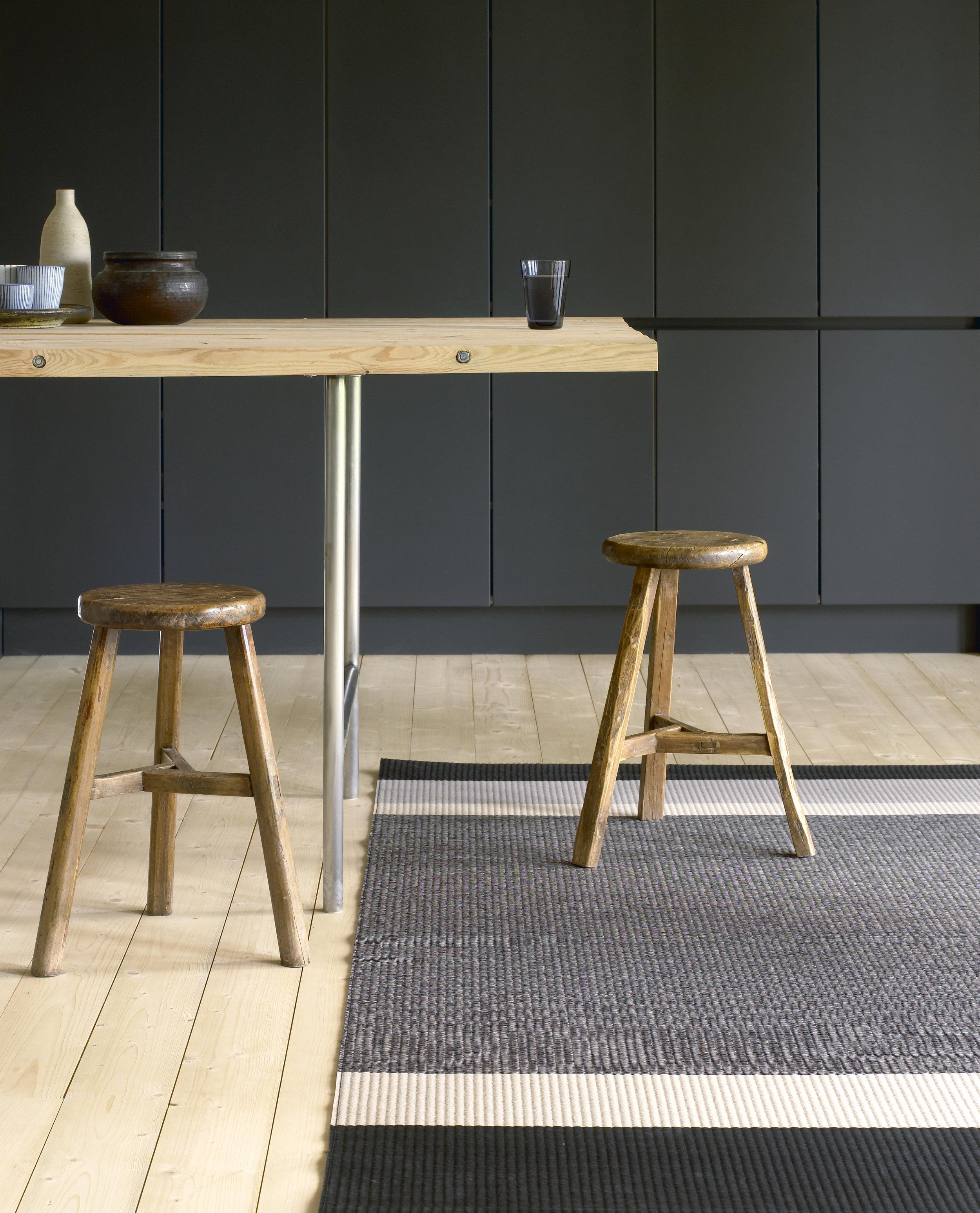 1330903  Panorama  black-light grey paper yarn carpet