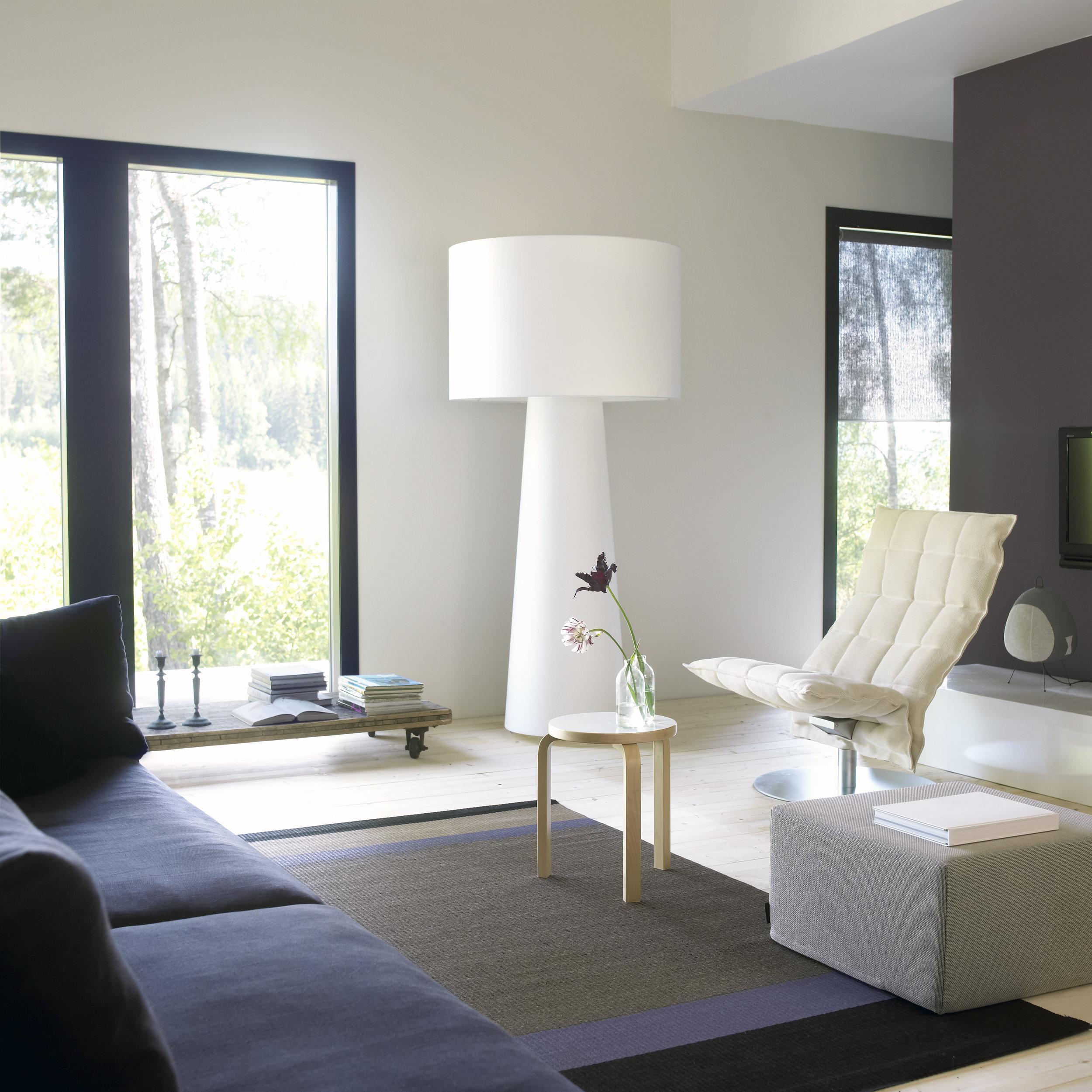1330919  Panorama  black-antique paper yarn carpet, Narrow Swivel k Chair, 435 Cool cushion