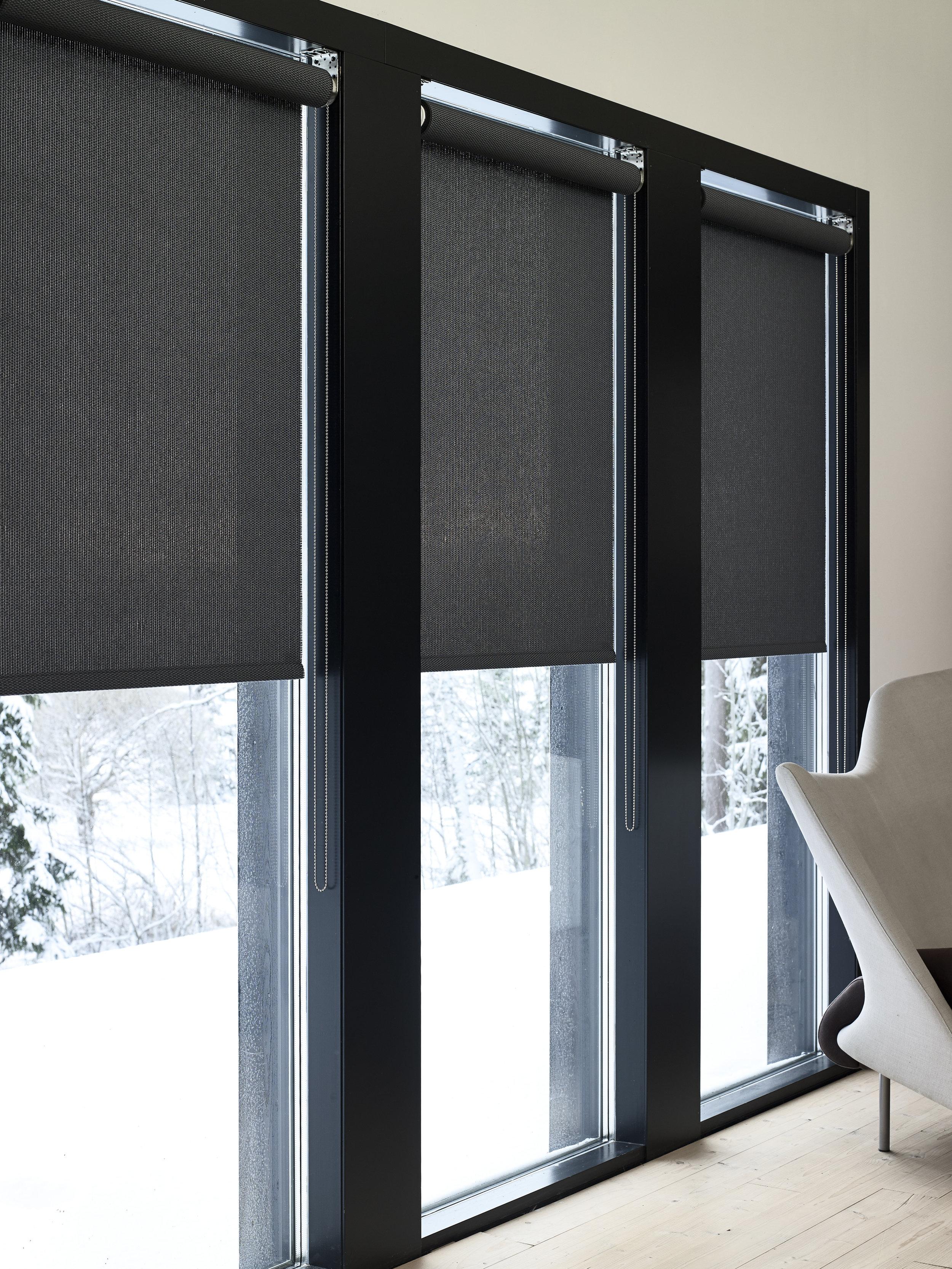 21199  Morning  black roller blinds