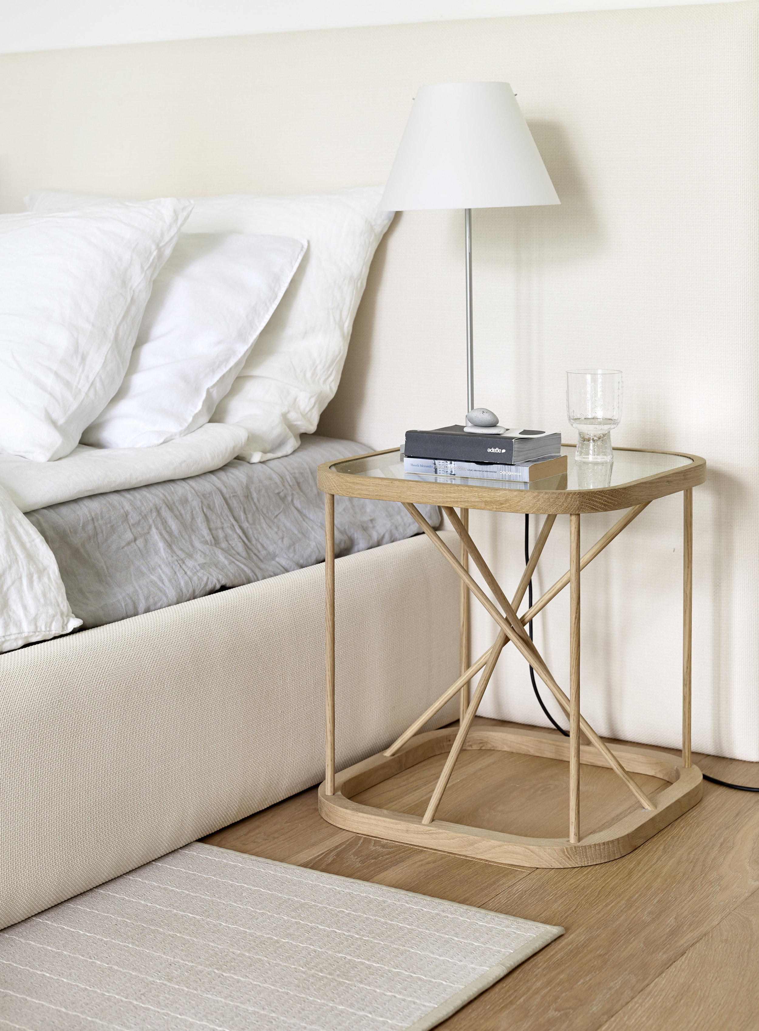46700W  Twiggy table , 4010 Woodnotes Bed and 47001C Bed headboard, 124151 Line stone-white paper yarn carpet
