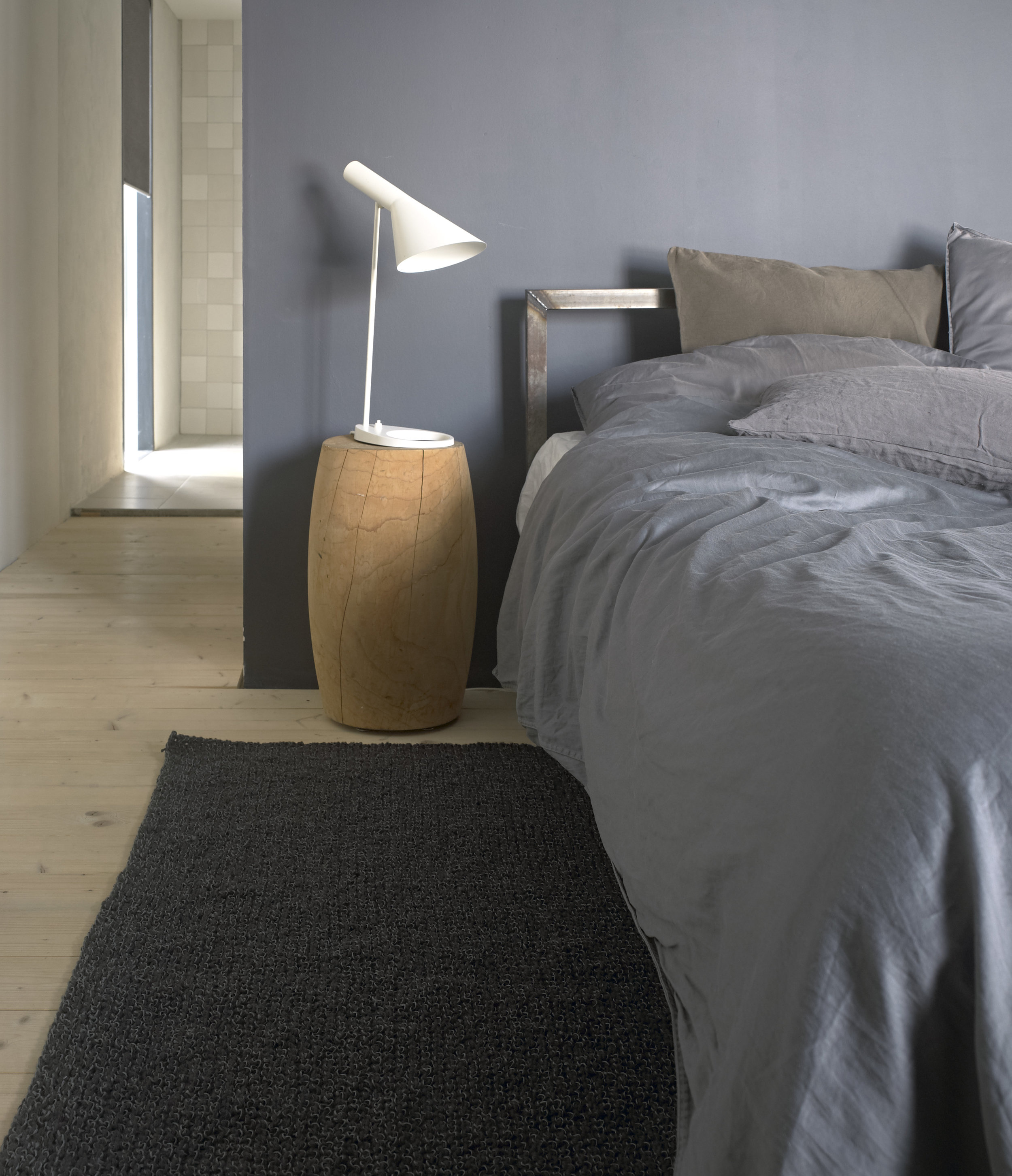 7304040 Woodwool graphite carpet