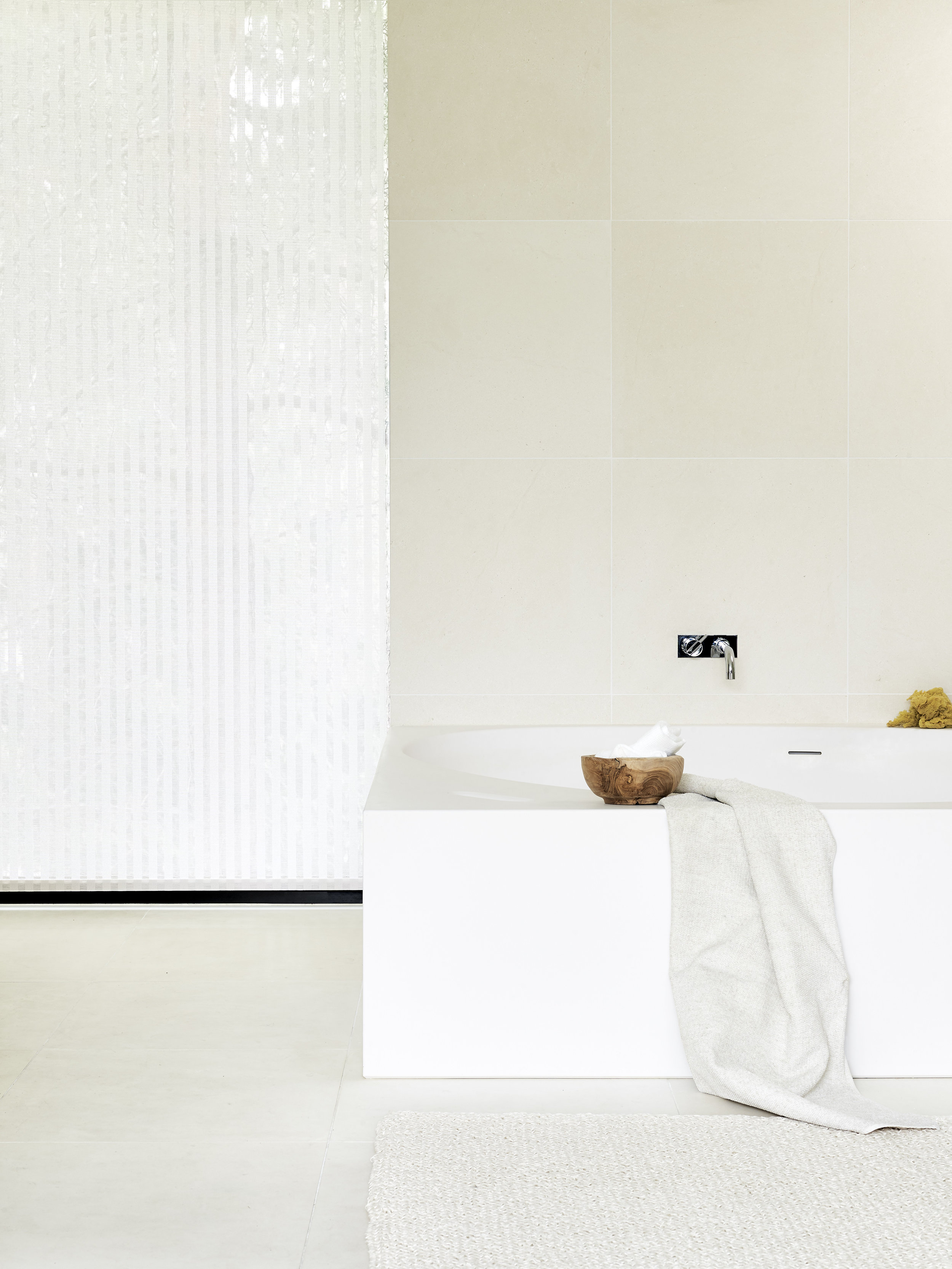 21211 OPEN SKY white fabric, chain operated roller blind D