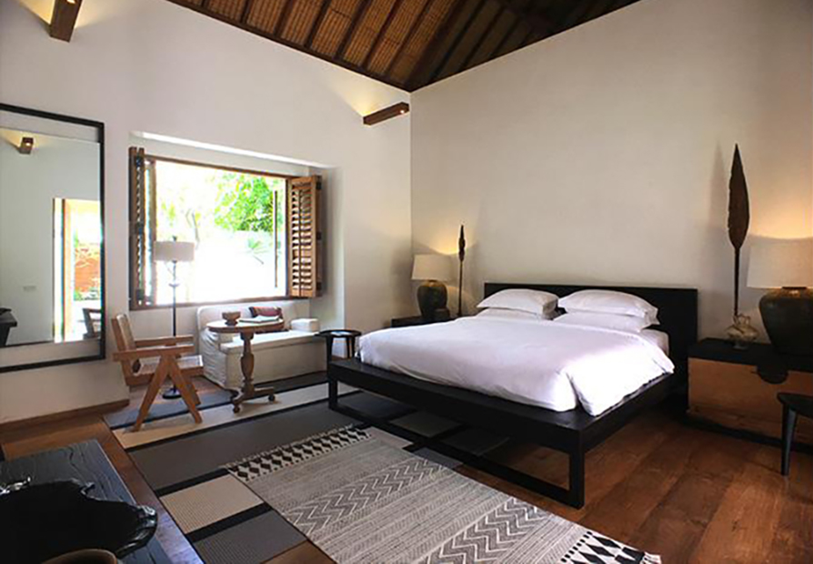 Uluwatuestate, Luxury Villa, Bali_Woodnotes Bridge 1360215 grey-stone carpet-bedroom.jpg