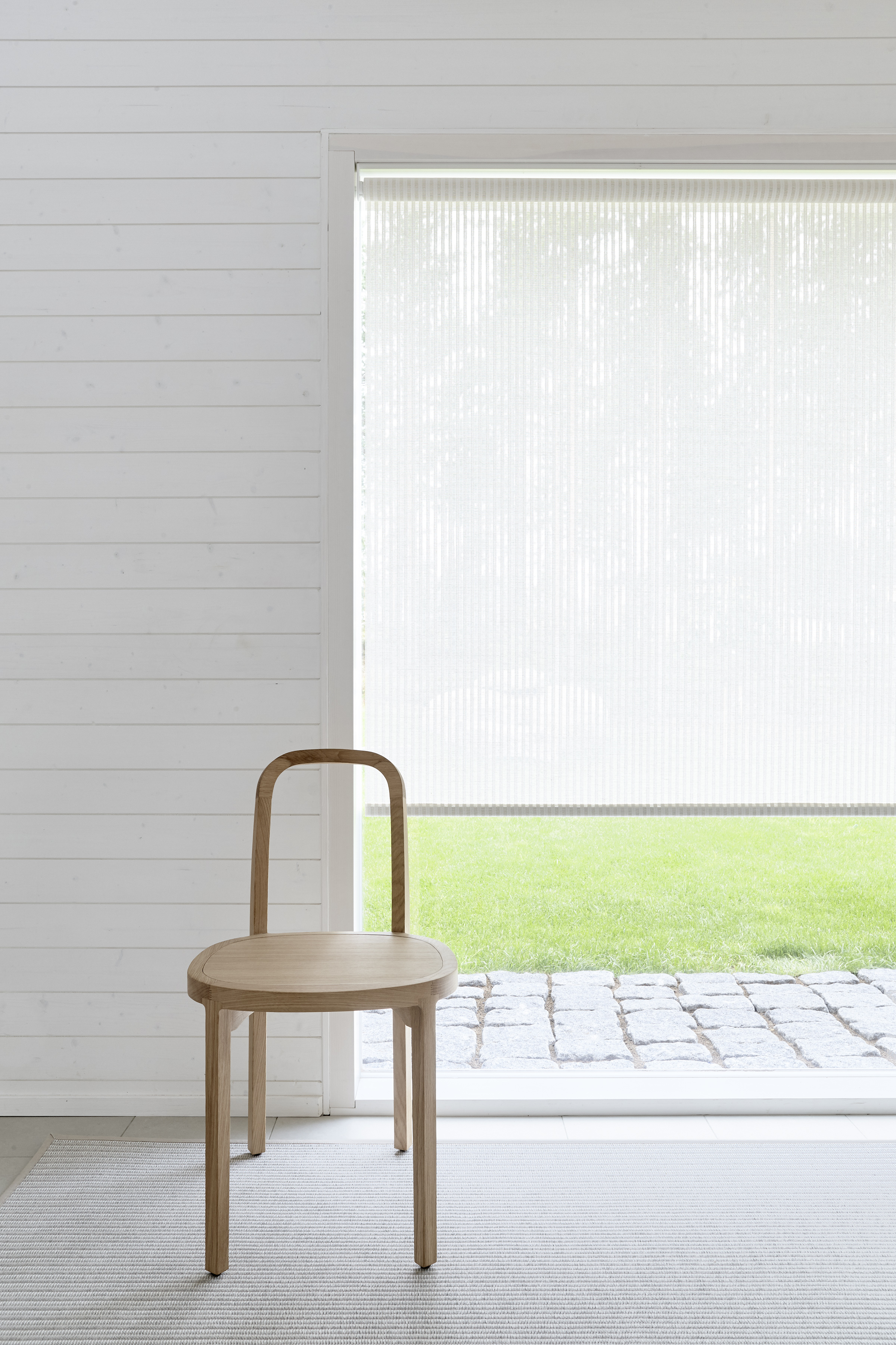 213115 VISTA WHITE-STONE FABRIC, CHAIN OPERATED ROLLER BLINDS (SILENT GLISS 4810) D, BOTTOM COVERED WITH FABRIC