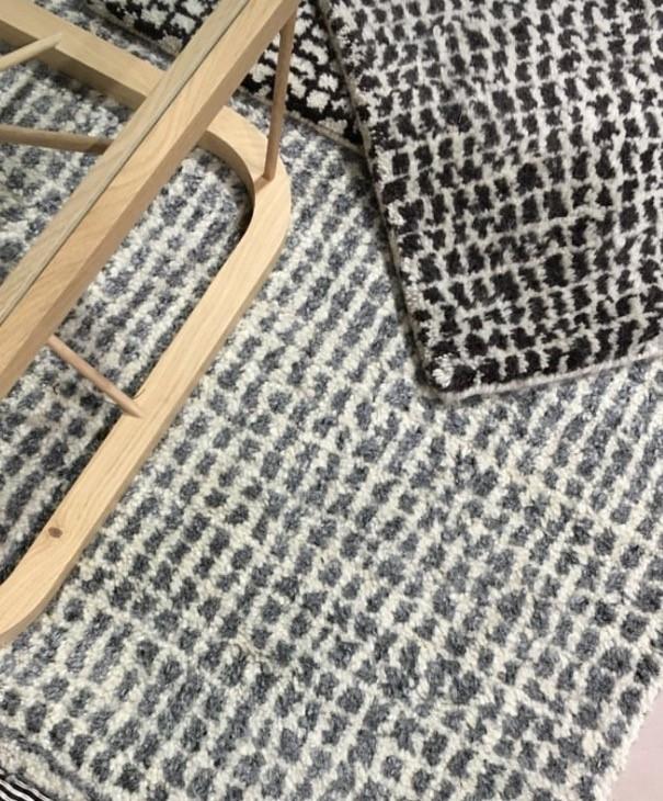 Our new wool carpet and Twiggy oak table. ..Villanukkamatto uutuutemme ja tamminen Twiggy pöytä.