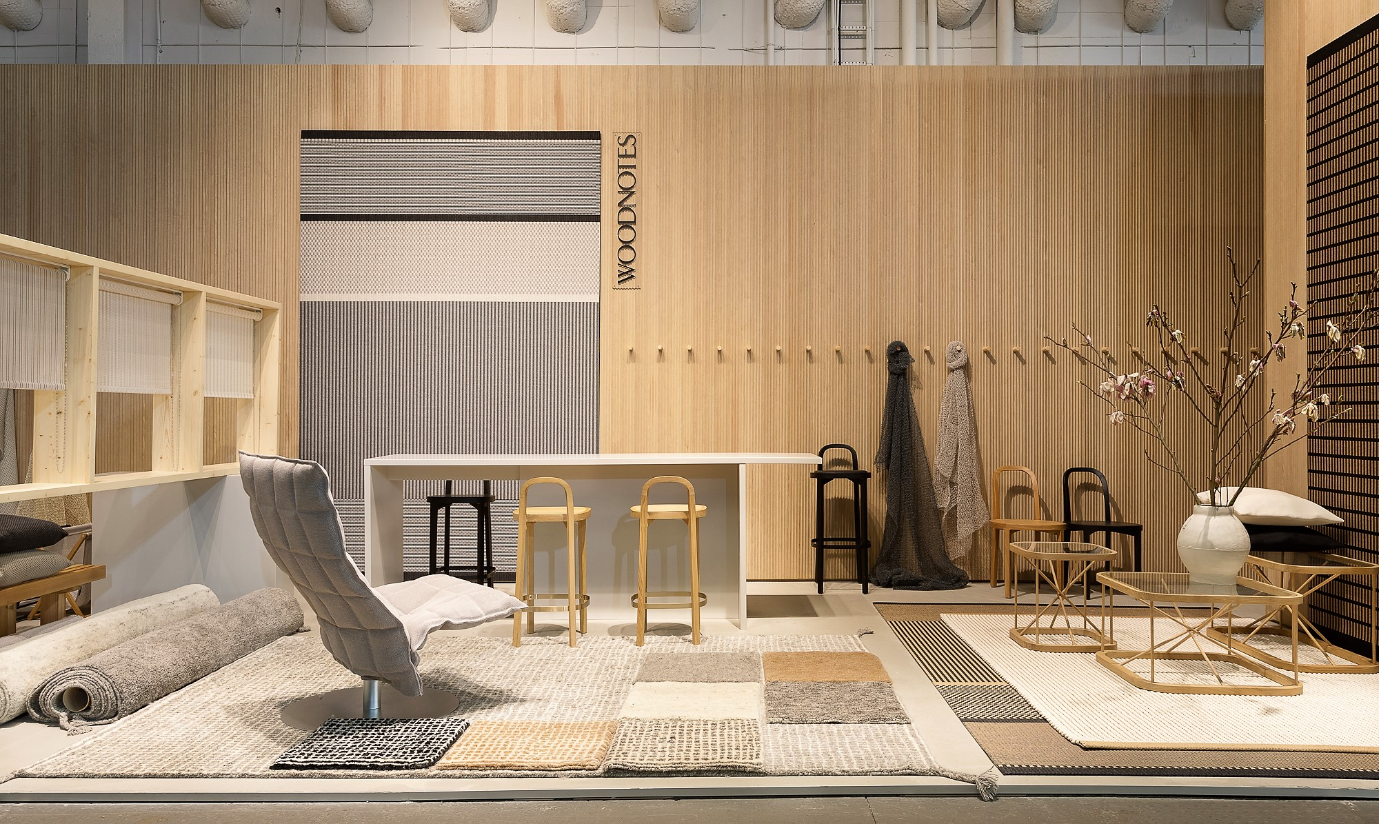 A view to the indoor section. There is four Grid and four Uni color options in our new wool carpet collection. /  Näkymä osastomme sisätilaosioon. Täällä olivat esillä mm. uutuus villamattojemme Grid ja Uni värivaihtoehdot.