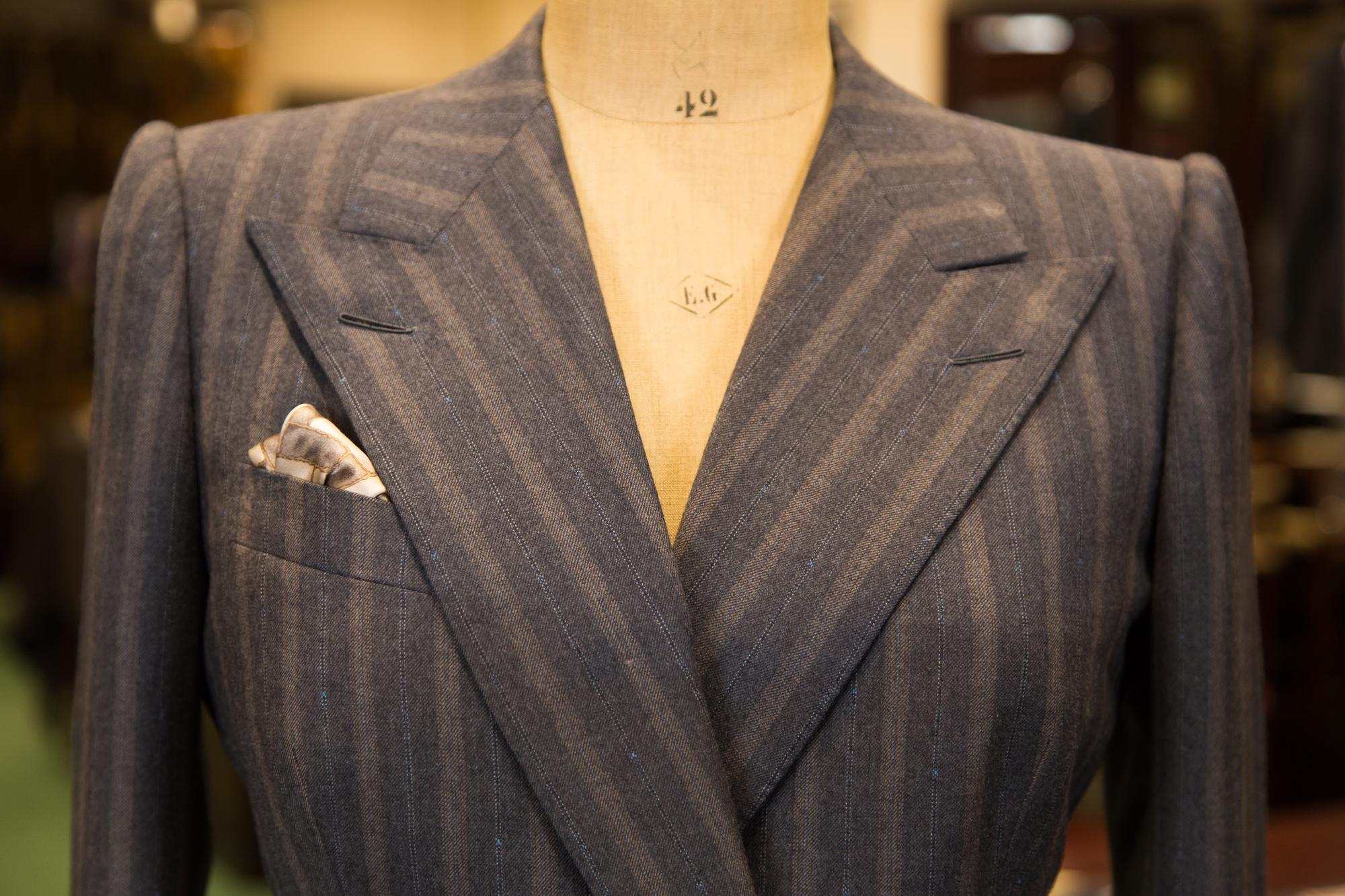 sm Suit 04 - Ladies Double Breasted Gey Boucle Stripe Jacket - 02.jpg