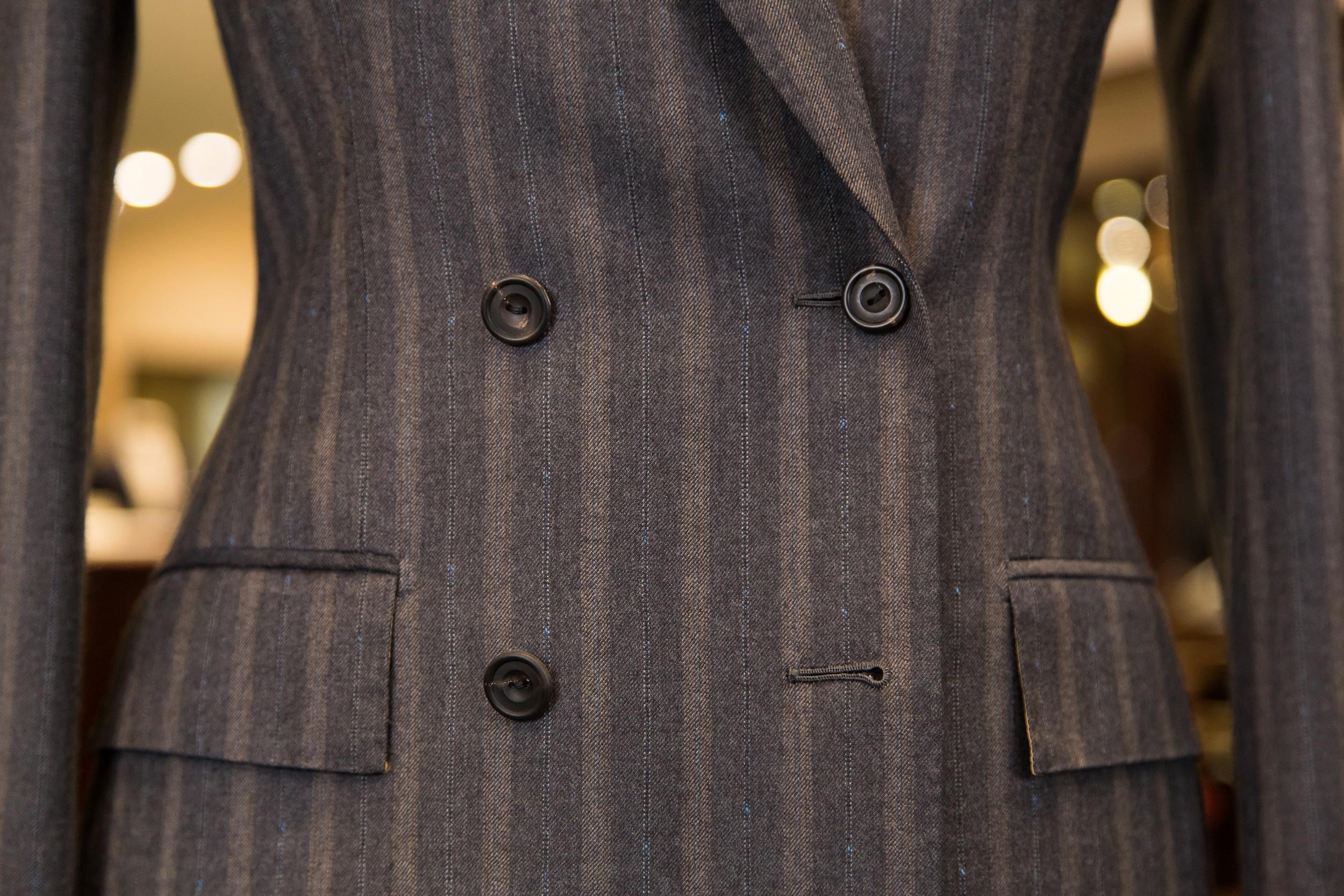 sm_Suit 04 - Ladies Double Breasted Gey Boucle Stripe Jacket - 03.jpg