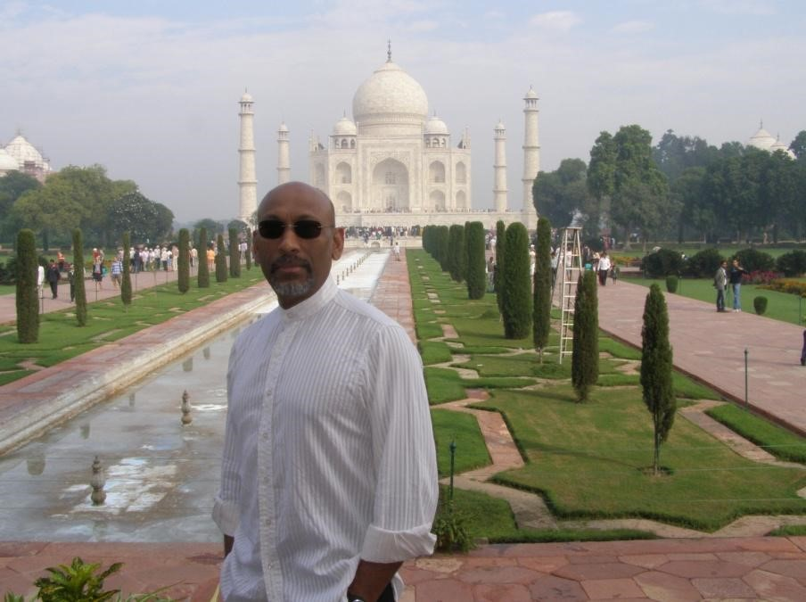 A lucky photo without the Taj crowd
