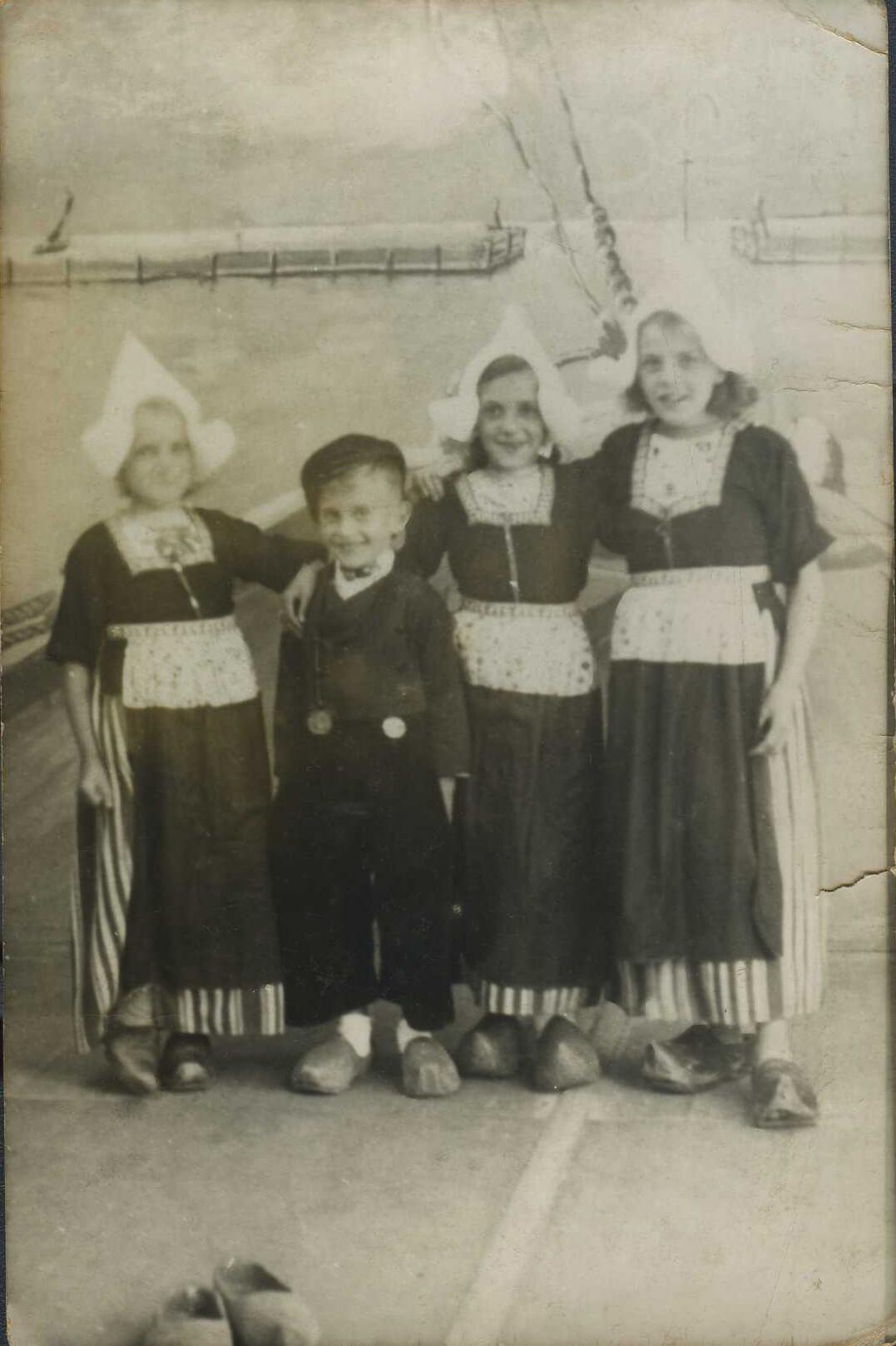 kinderen Volendam.jpg
