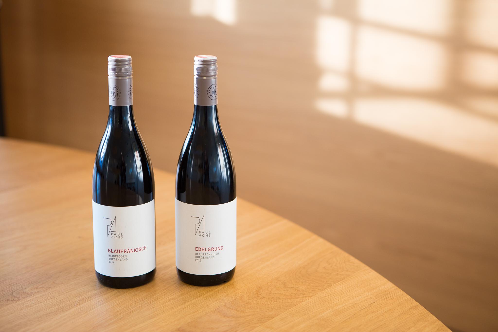 To av Paul Achs sine viner ble lansert i Norge i november.