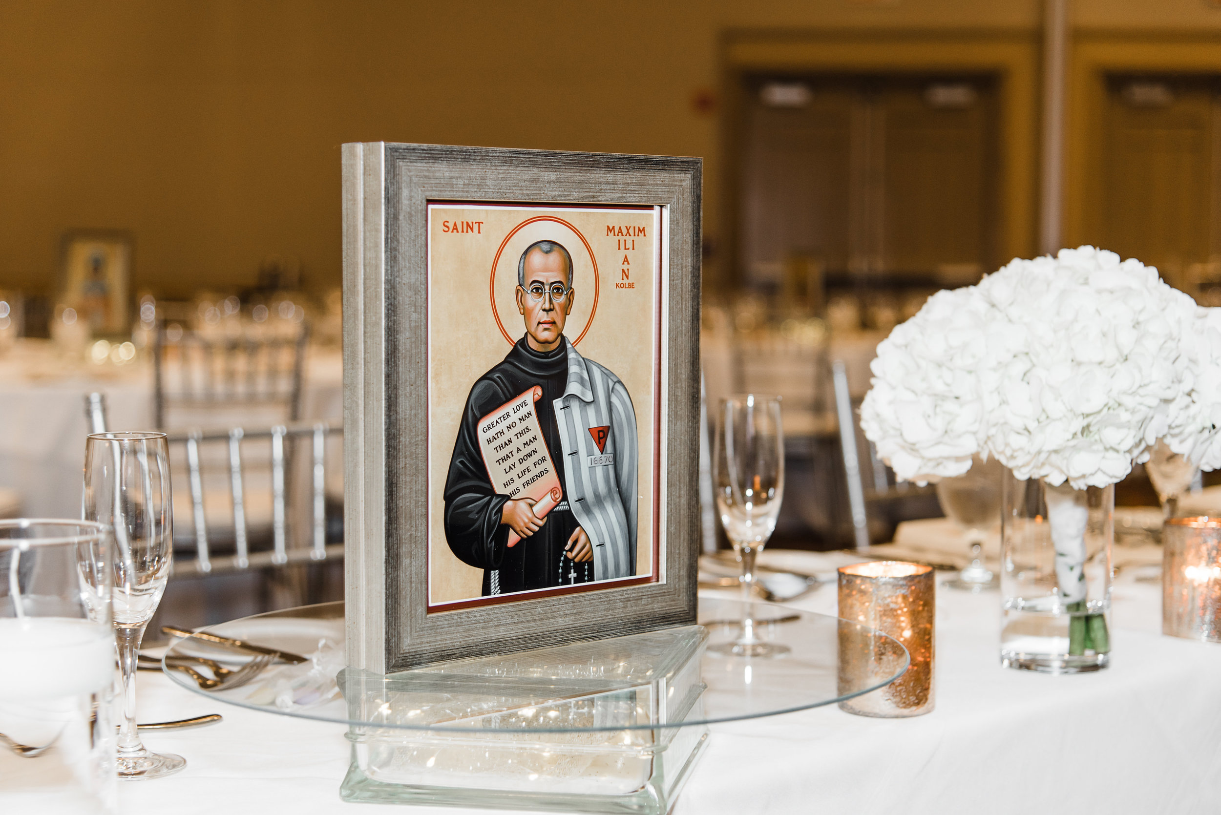 Photography:    Jen Harkleroad Photography   , seen in    Emily + John | Classic Virginia Wedding
