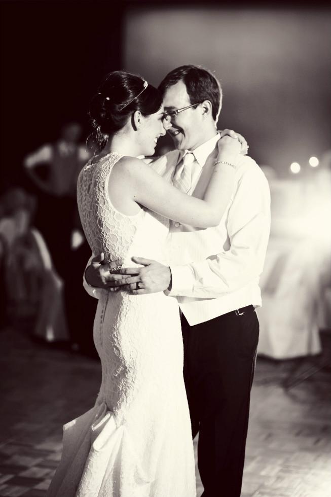 Photography:    Bella Gala   , seen in    Joan + Matt   Summer Brights Wedding