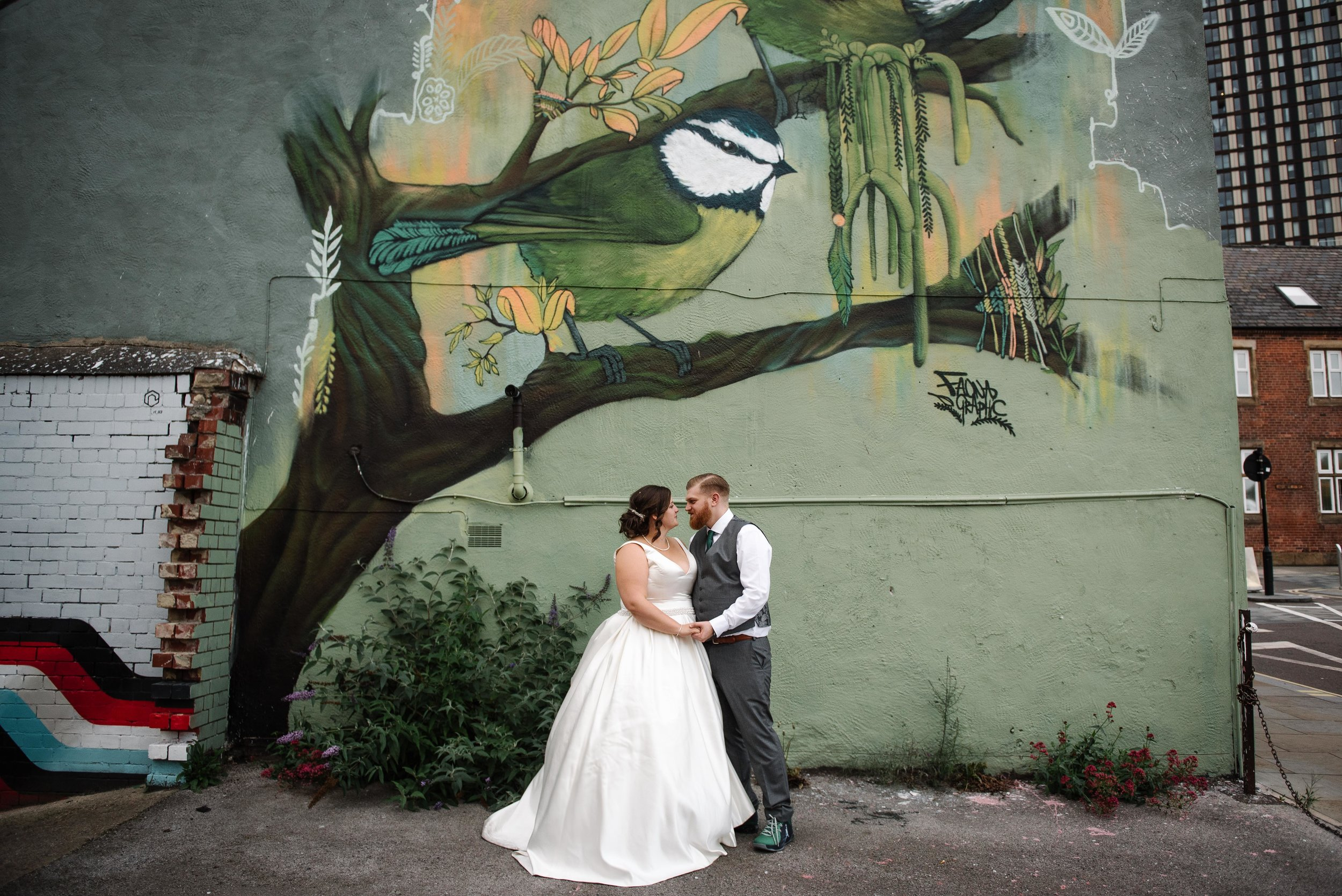 max + jess - city centre wedding with a big church, street art and cigars