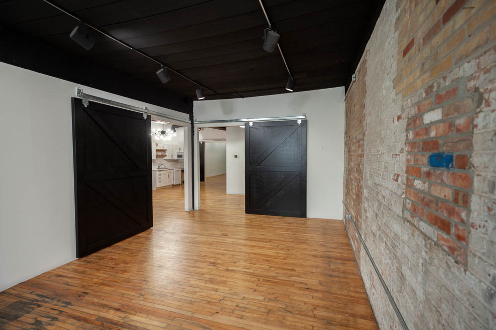 Studio B - Dual Barn Doors