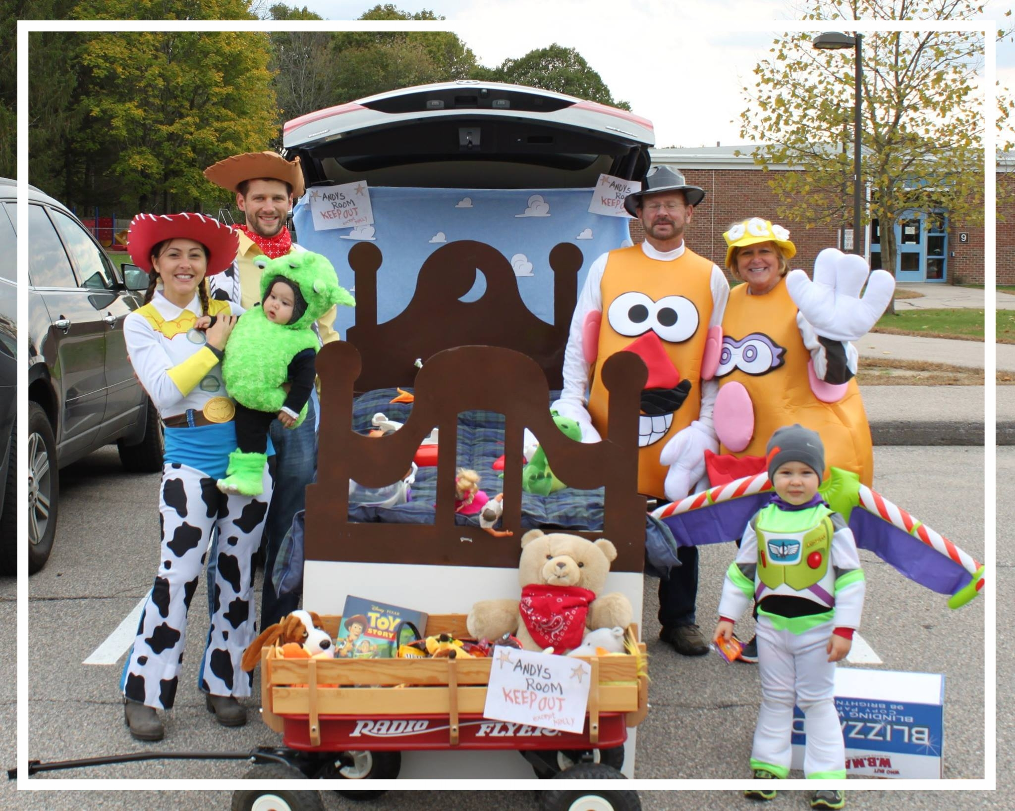 2016 Best decorated car - toy story theme