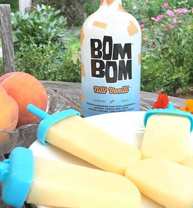 """#TBT with our fav boozy popsicles — """"peaches 'n no cream"""" 🤣🤣 #boozyvegan"""