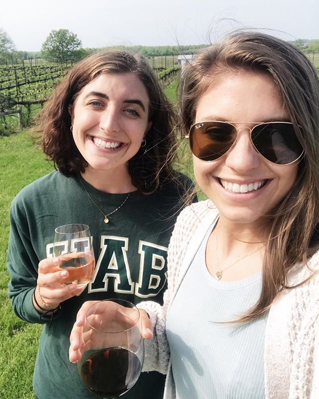 Just landed in Destin, FL and driving 1.5 hours home. We soaked up every minute in Toronto & absolutely loved it. Really just wish I was back at this gorgeous vineyard sharing some vino with my sis. What a great trip. 💛