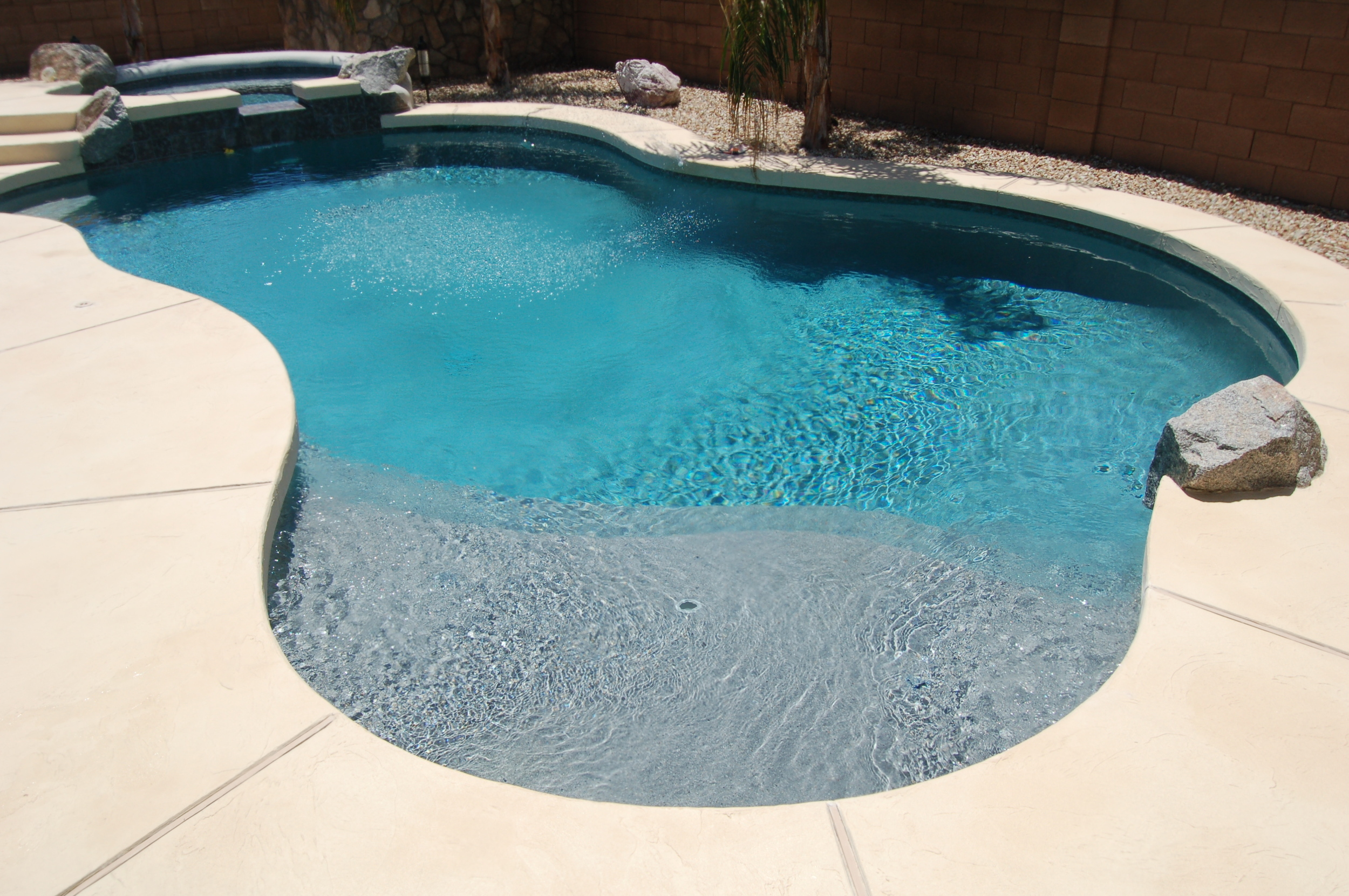 Freeform Pools (1).jpg