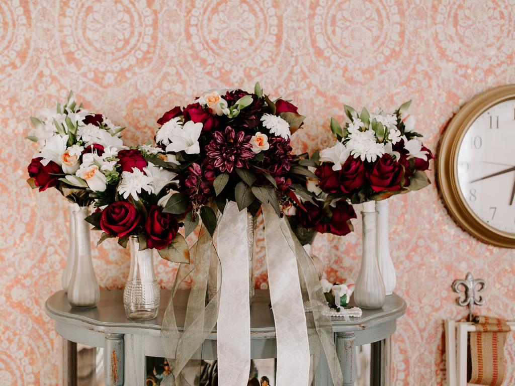 Intimate Plantation Home Spring Wedding