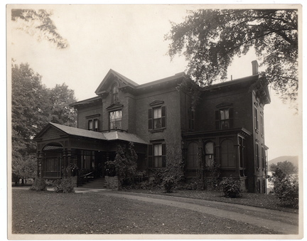 Glimmerview,Courtesy of the NYSHA Library, Ward Collection, 54 Lake (Glimmerview)