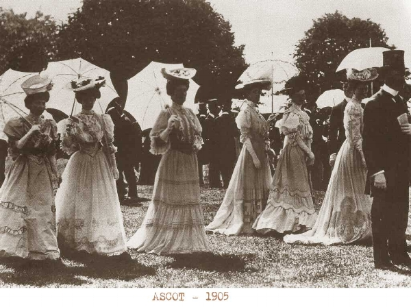 Pauline and her sister Dorothy would have most certainly been amongst the ladies parading at Ascot