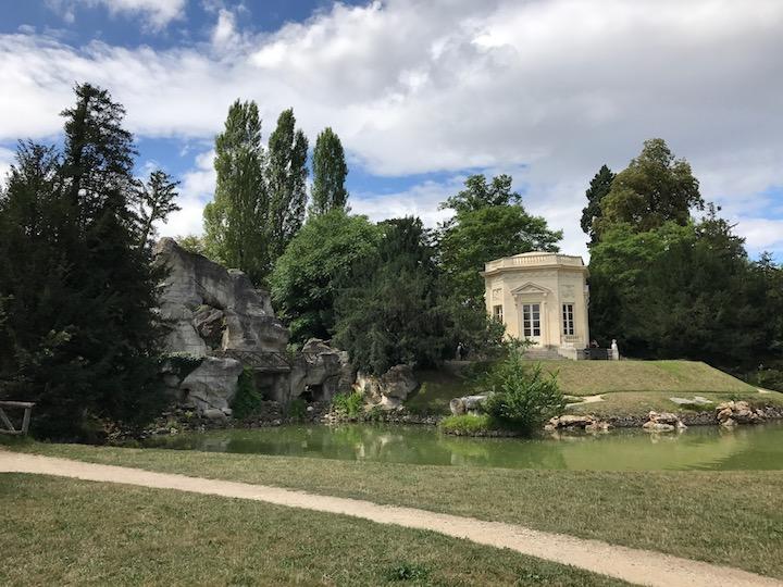 grotto pavilion trianon.jpg